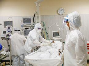 Atención de pacientes covid-19 en San Martín, una de las regiones que cuenta con el mayor número de camas UCI. ANDINA/Difusión