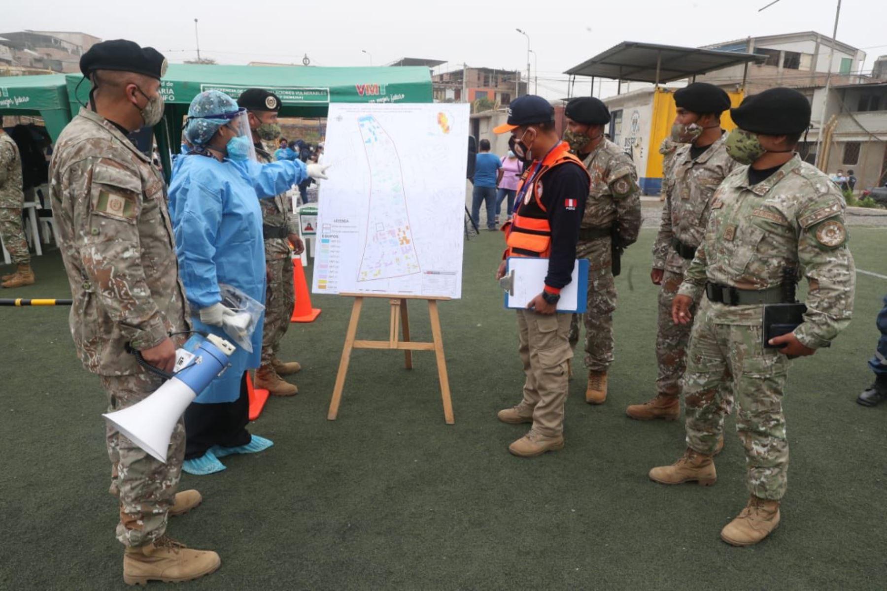 Fuerzas Armadas están desplegadas en diversos puntos del país para llevar a cabo la Operación Tayta. Atención primaria en salud para las personas más vulnerables. Foto:ANDINA/MINDEF