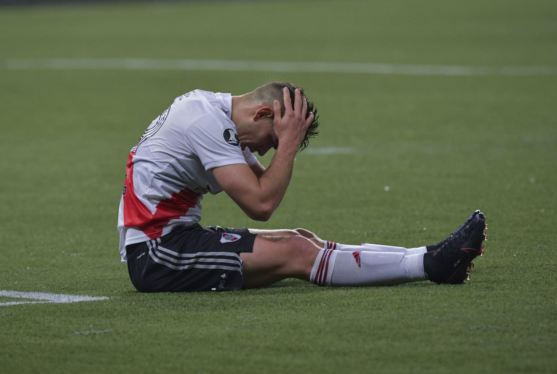 River Plate hizo todo el esfuerzo en el campo de juego pero no bastó para empatar el marcador general que quedó en un 3 a 2 a favor del palmeiras de Brasil. Foto: AFP