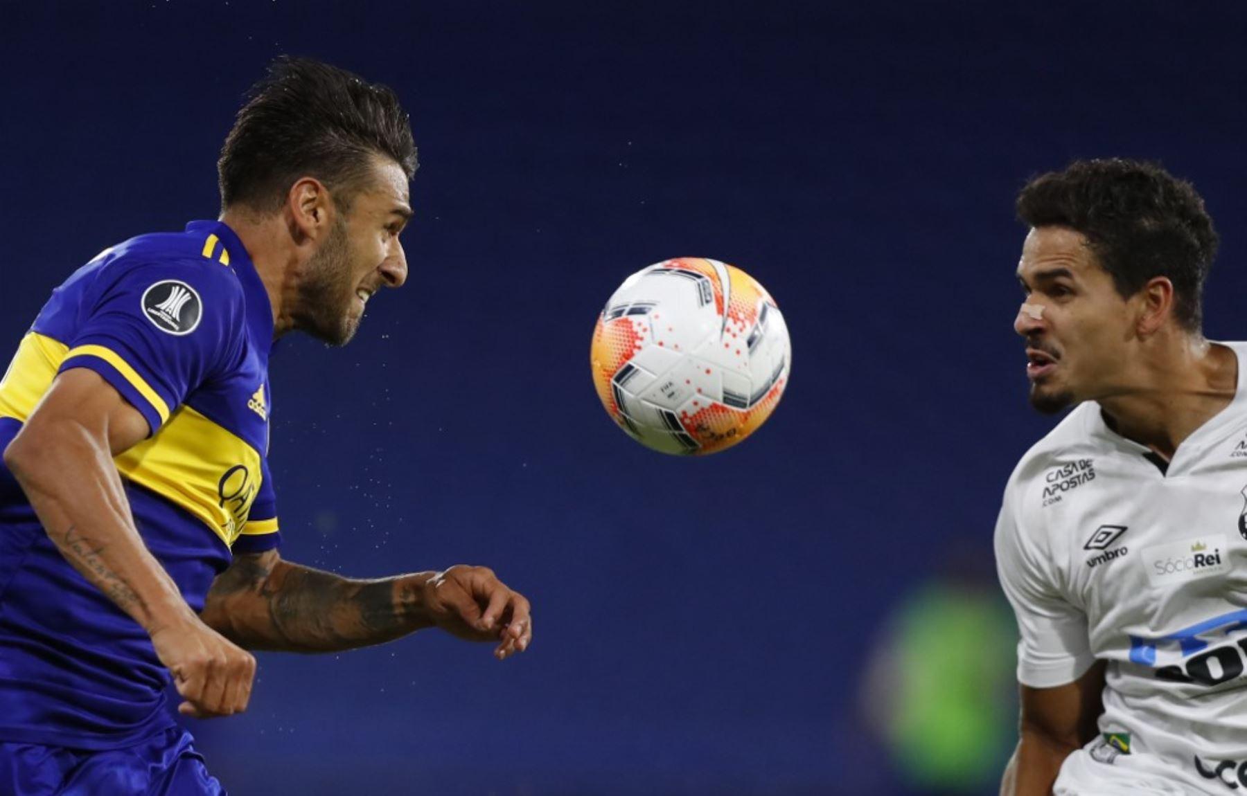 Santos y Boca Juniors juegan por un lugar en la final de la Copa Libertadores