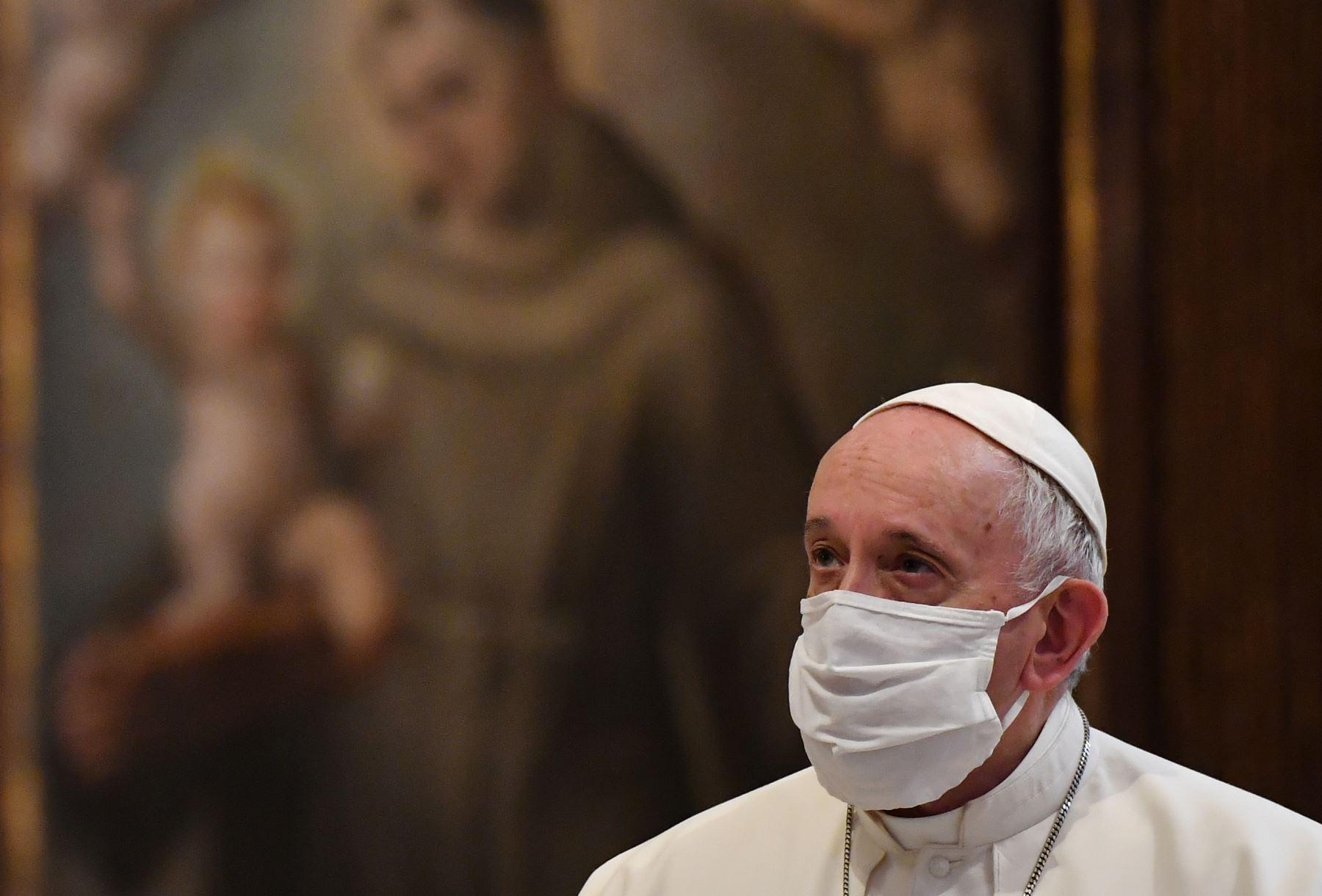 el-papa-francisco-recibe-la-vacuna-de-pfizer-y-biontech-contra-el-covid-19