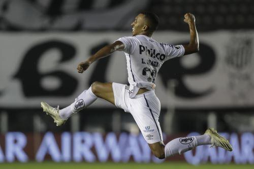 Copa Libertadores: Santos golea 3-0 a Boca y está clasificando a la final