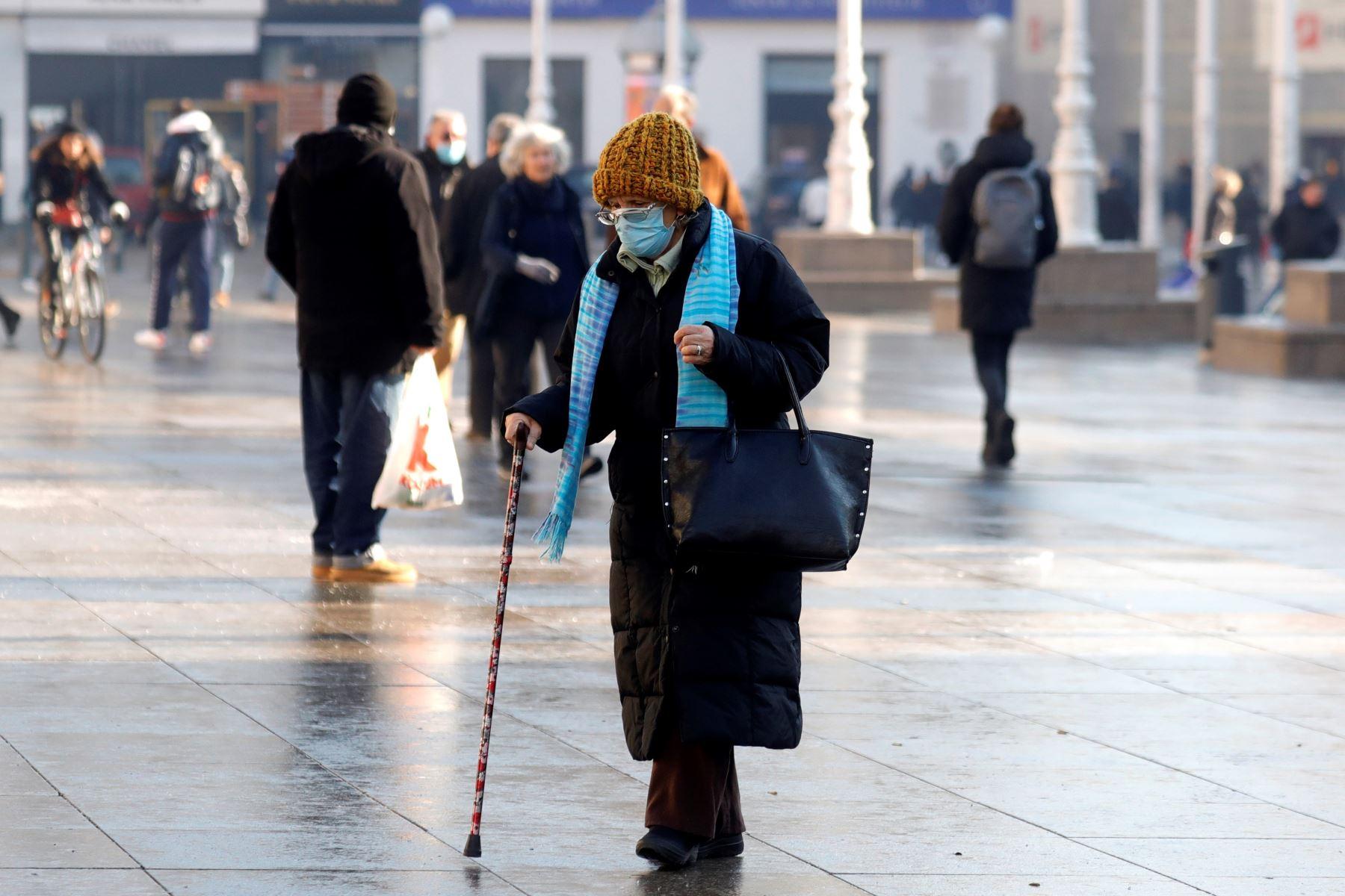 Amplían las restricciones en Europa ante el aumento de los contagios y muertes. Foto:EFE