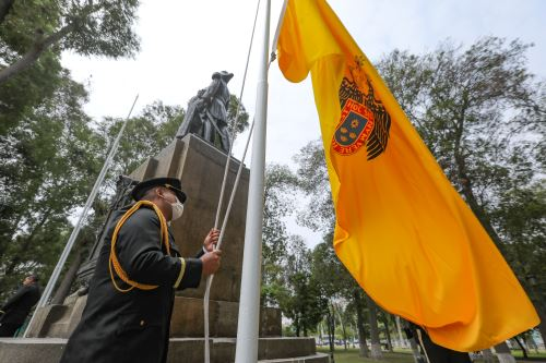 Celebran el 140 Aniversario de la Defensa de Lima recordando al  almirante Abel Bergasse Du Petit Touars