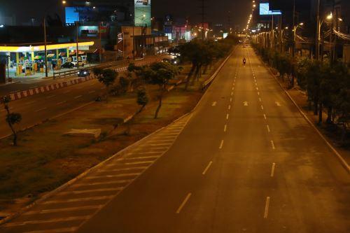 Desde las 9:00 de la noche rige el toque de queda  en Lima y Callao