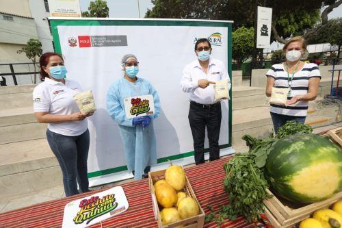 """Ministro de Agricultura pone en marcha Mercado Saludable """" De la Chacra a la Olla 2021 """""""