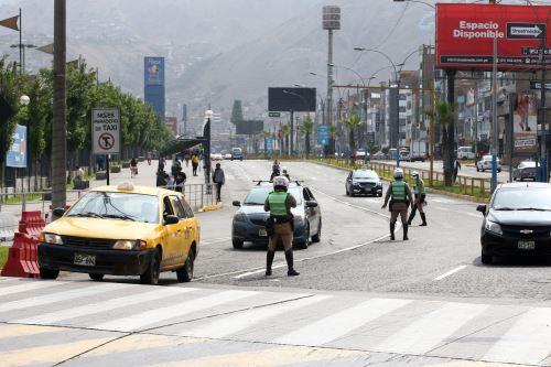 Policía Nacional realiza operativos en Lima Metropolitana y el Callao  por prohibición de circulación de vehículos particulares