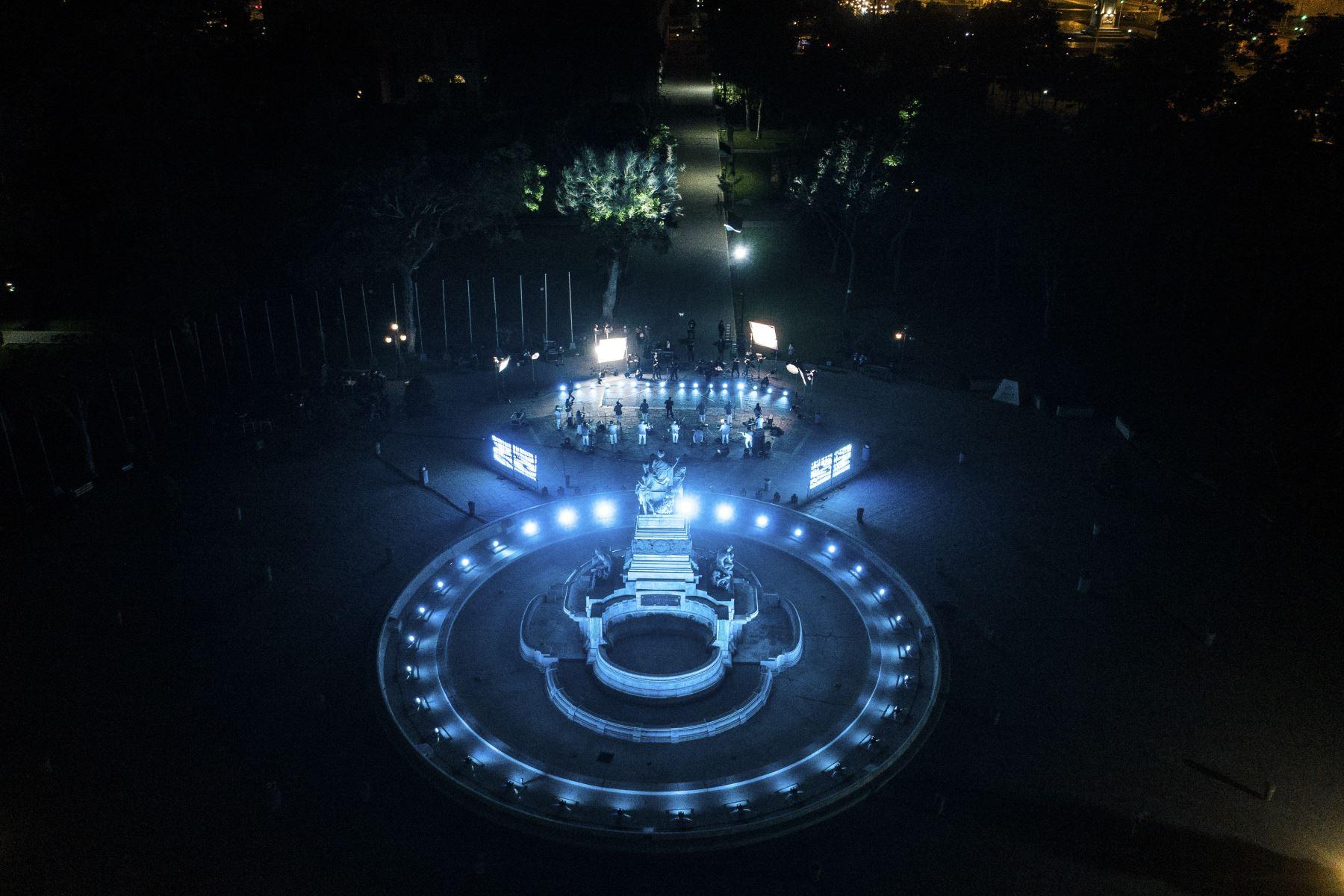 La Municipalidad Metropolitana de Lima realizó una serenata virtual para celebrar los 486 años de fundación de la ciudad de Lima. Bartola, Daniela Darcourt, Dilbert Aguilar y Orquesta La Tribu, William Luna, Laurita Pacheco y muchos artistas más participaron en la ceremonia. Foto: MML