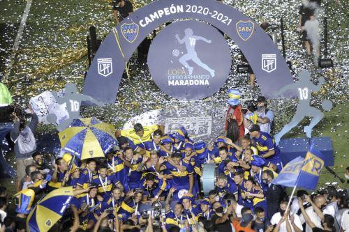 Boca Juniors con Carlos Zambrano se consagra campeón de la Copa Diego Maradona