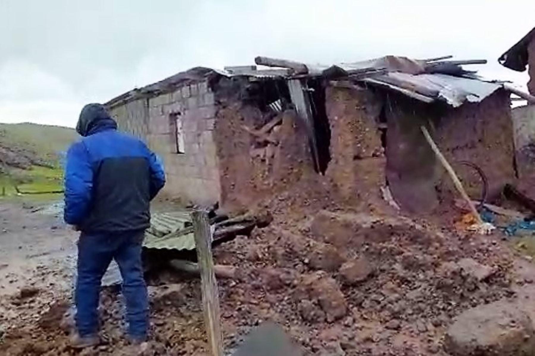 Vivienda afectada por las lluvias intensas en el distrito de Huayllay, región Pasco.