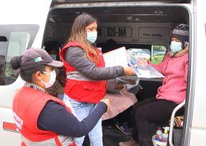 Municipalidad de Huancayo entregó de fprma gratuita 250 protectores faciales a los pasajeros de unidades de transporte urbano para evitar contagios de coronavirus en la ciudad. ANDINA/Difusión