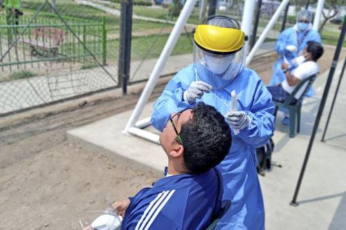 Minsa realizó pruebas moleculares en Los Olivos