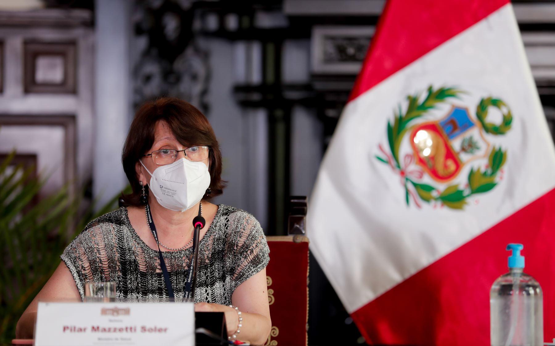 La ministra de Salud, Pilar Mazzetti, expone los acuerdos adoptados en la sesión de Consejo de Ministros, orientados a la mejora de los servicios públicos y atención de la emergencia sanitaria. Foto: PCM