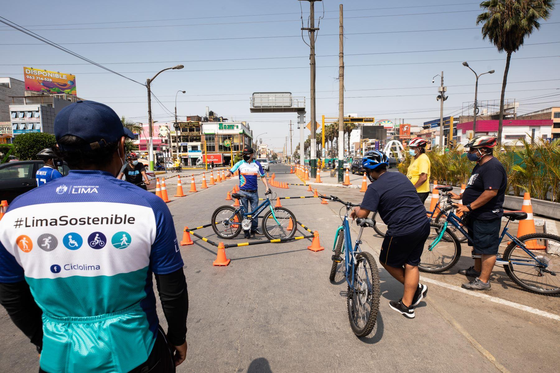 Municipalidad de Lima promueve la Escuela de ciclismo urbano, que en esta oportunidad llega a Los Olivos. Foto: Municipalidad de Lima