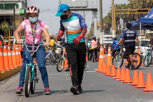 Municipalidad de Lima promueve la Escuela de ciclismo urbano en Los Olivos
