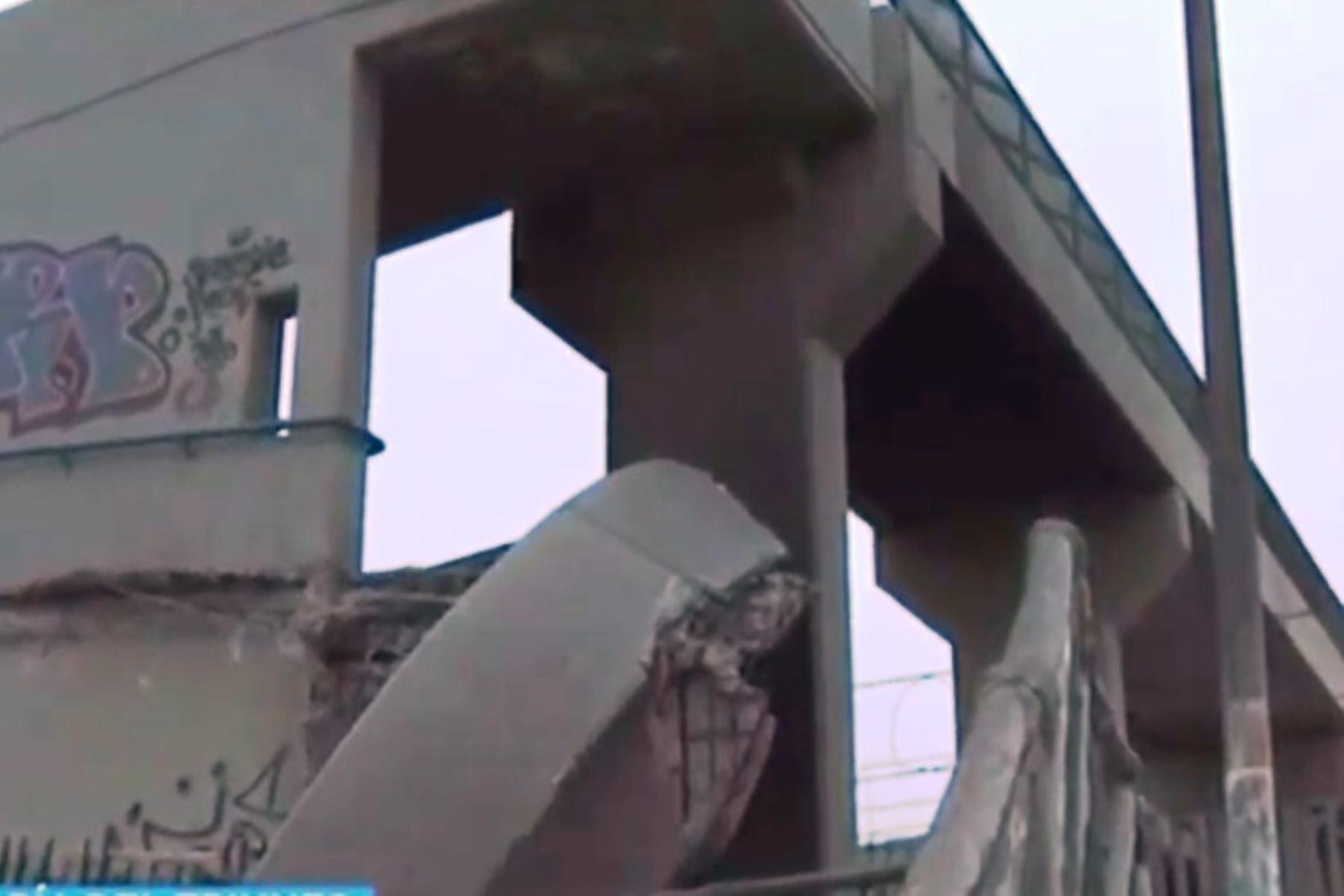 metro-de-lima-cierran-puente-peatonal-en-villa-maria-del-triunfo-por-colapso-de-rampa