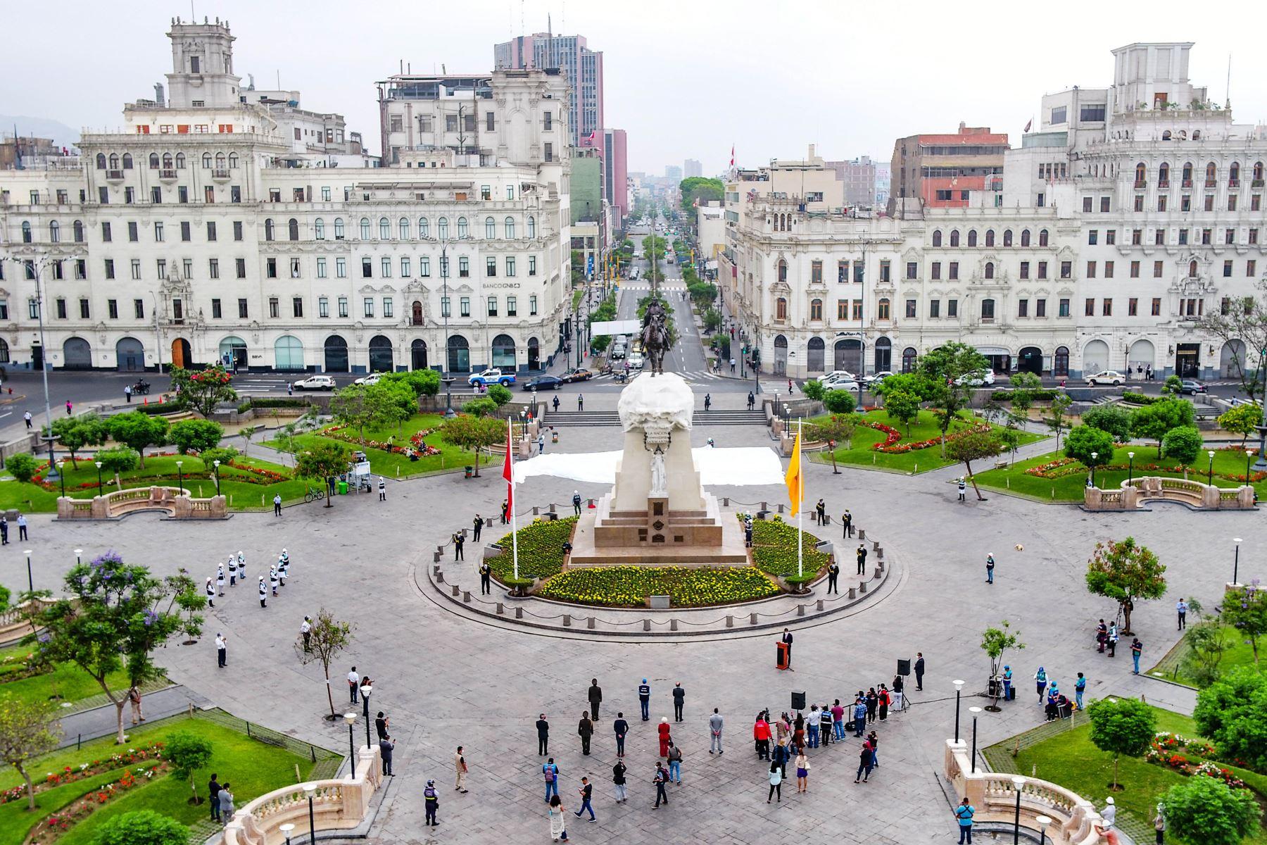 El alcalde  de Lima Jorge Muñoz, presenta el monumento al libertador José de San Martín totalmente restaurado, en el marco de la implementación del Plan Maestro del Centro Histórico y continuando con la recuperación de esculturas públicas de la ciudad. Foto: ANDINA/ Municipalidad de Lima