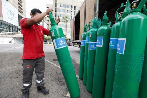Essalud envía 100 balones de oxígeno medicinal a Huánuco para reforzar atención de pacientes covid-19