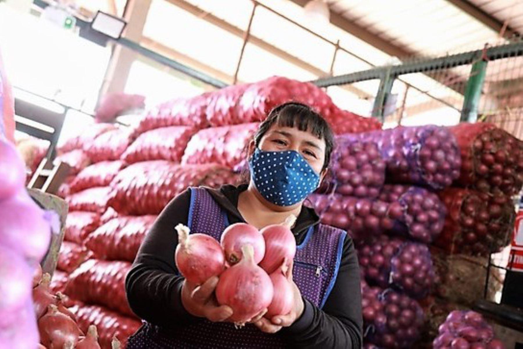 mtpe-capacitara-a-36000-trabajadores-de-mercados-en-temas-de-seguridad-y-salud