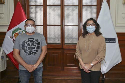 Premier Violeta Bermúdez se reunió con el congresista del Frente Amplio Lenin Bazán