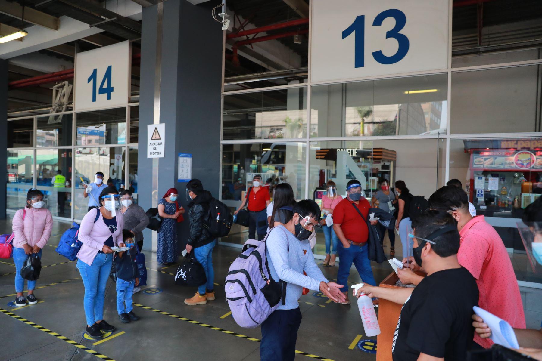 mtc-verifica-medidas-sanitarias-en-terminal-interprovincial-plaza-norte-fotos
