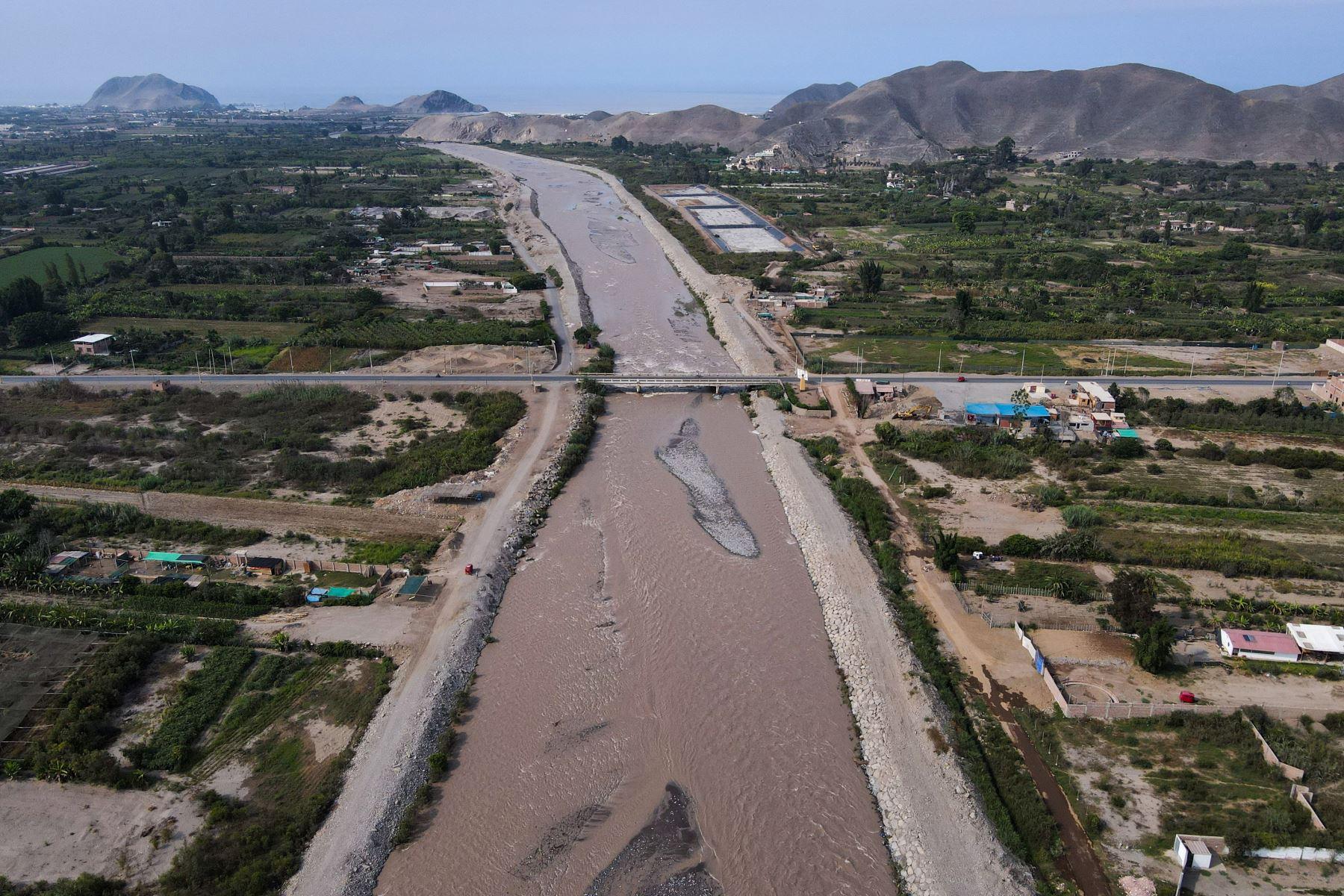 La Autoridad para la Reconstrucción con Cambios inaugura las  defensas ribereñas del río Mala. Foto: ARCC