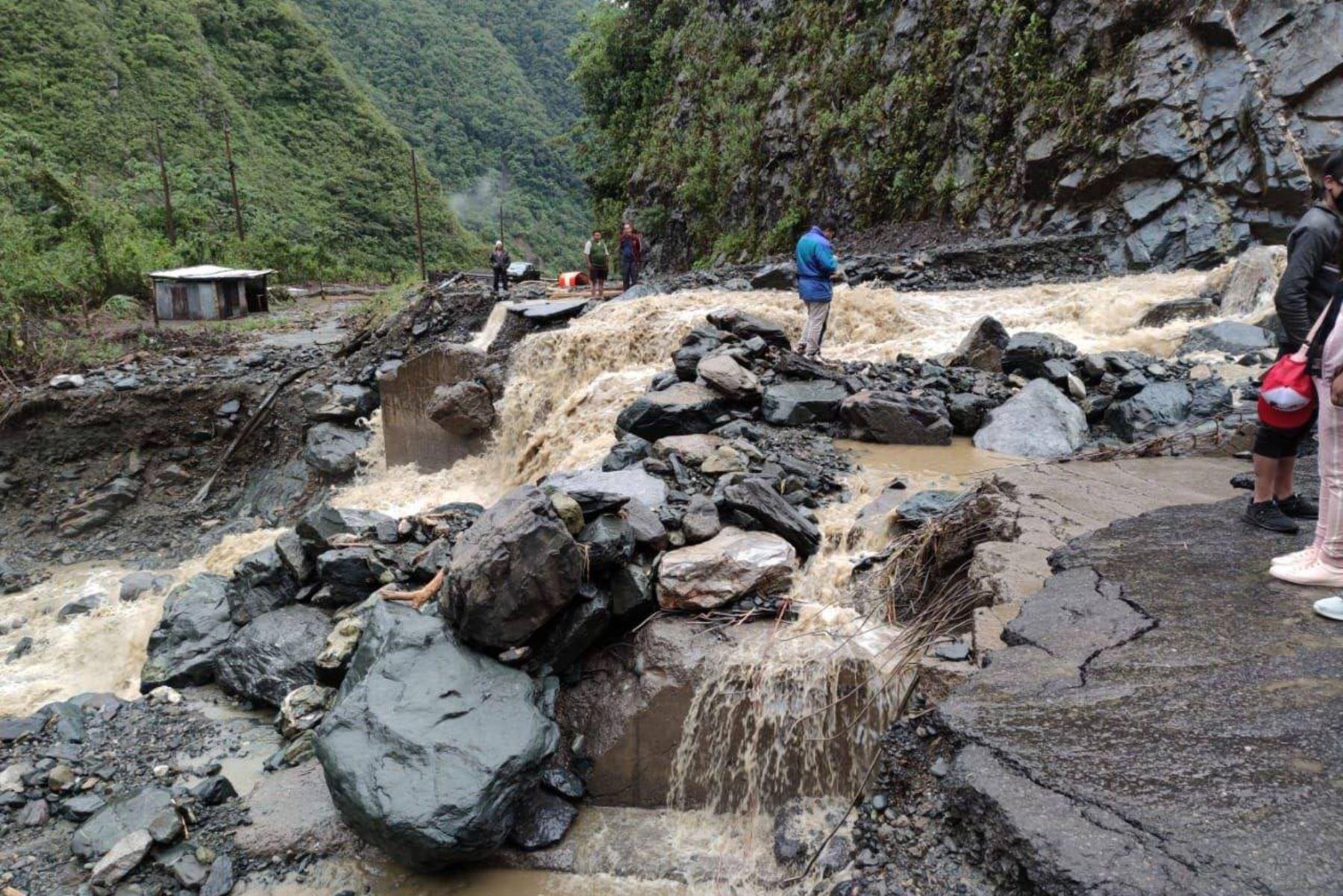 El Indeci pidió a las autoridades locales y regionales vigilar permanentemente el caudal de ríos y quebradas, evitar cruzarlos en caso aumente su caudal. Foto: ANDINA/Indeci