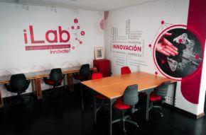 La Libertad es la primera región en contar con un iLAB, un Laboratorio de Innovación Pública, un espacio que propiciará y acompañará la generación de proyectos de mipymes y emprendedores innovadores para mejorar la competitividad y también brindar soluciones a desafíos públicos de la región enfocados en las necesidades de las personas.