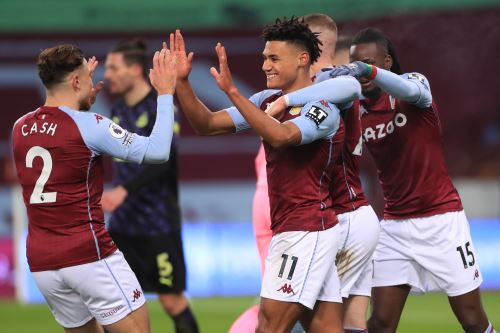 Aston Villa venció 2 a 0 al Newcastle en la Premier League