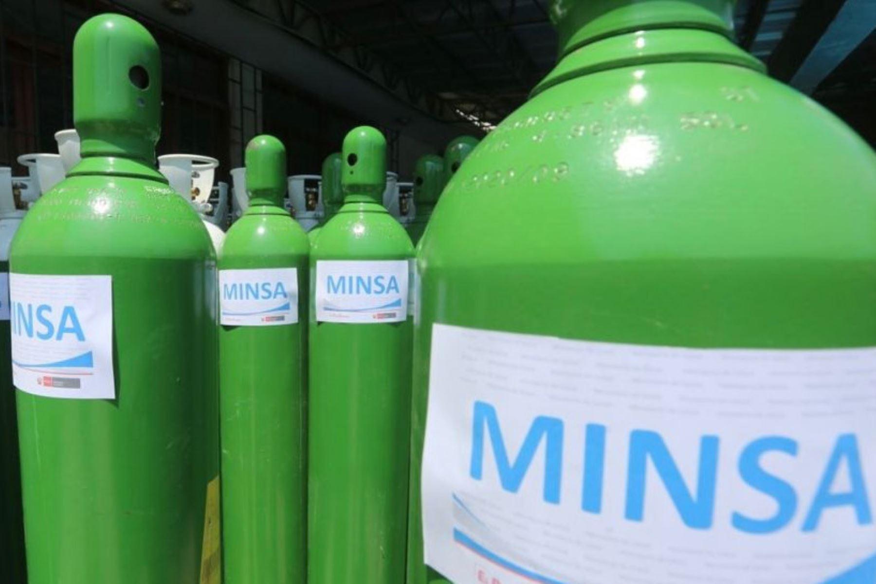 El Ministerio de Salud envió a Huánuco 50 balones de 6 metros cúbicos y 50 concentradores de oxígeno para dar atender la emergencia de los pacientes covid-19 en los establecimientos de salud de la región. Foto: Minsa