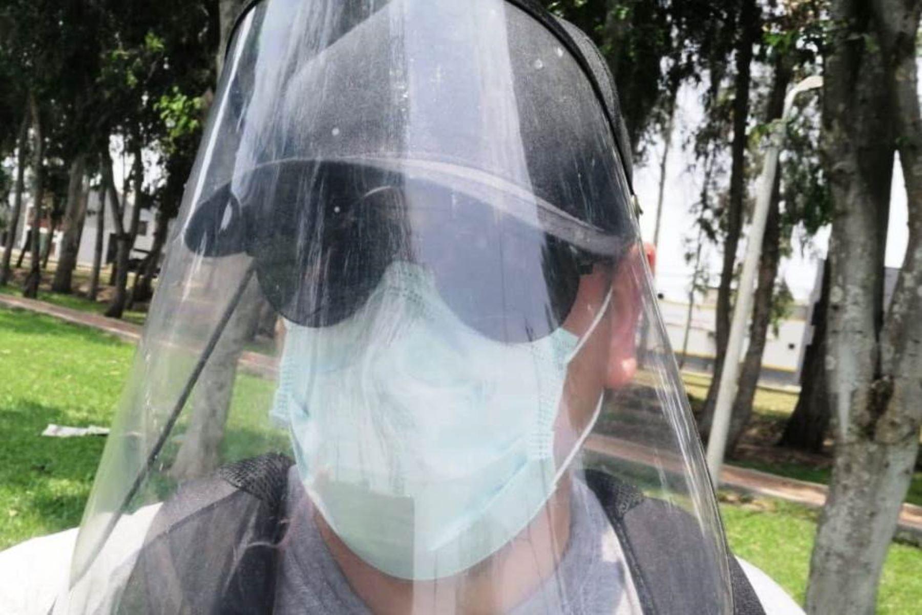 INO recomienda uso de lentes con filtros de protección UV así se lleve escudo facial. Foto: ANDINA/Difusión.