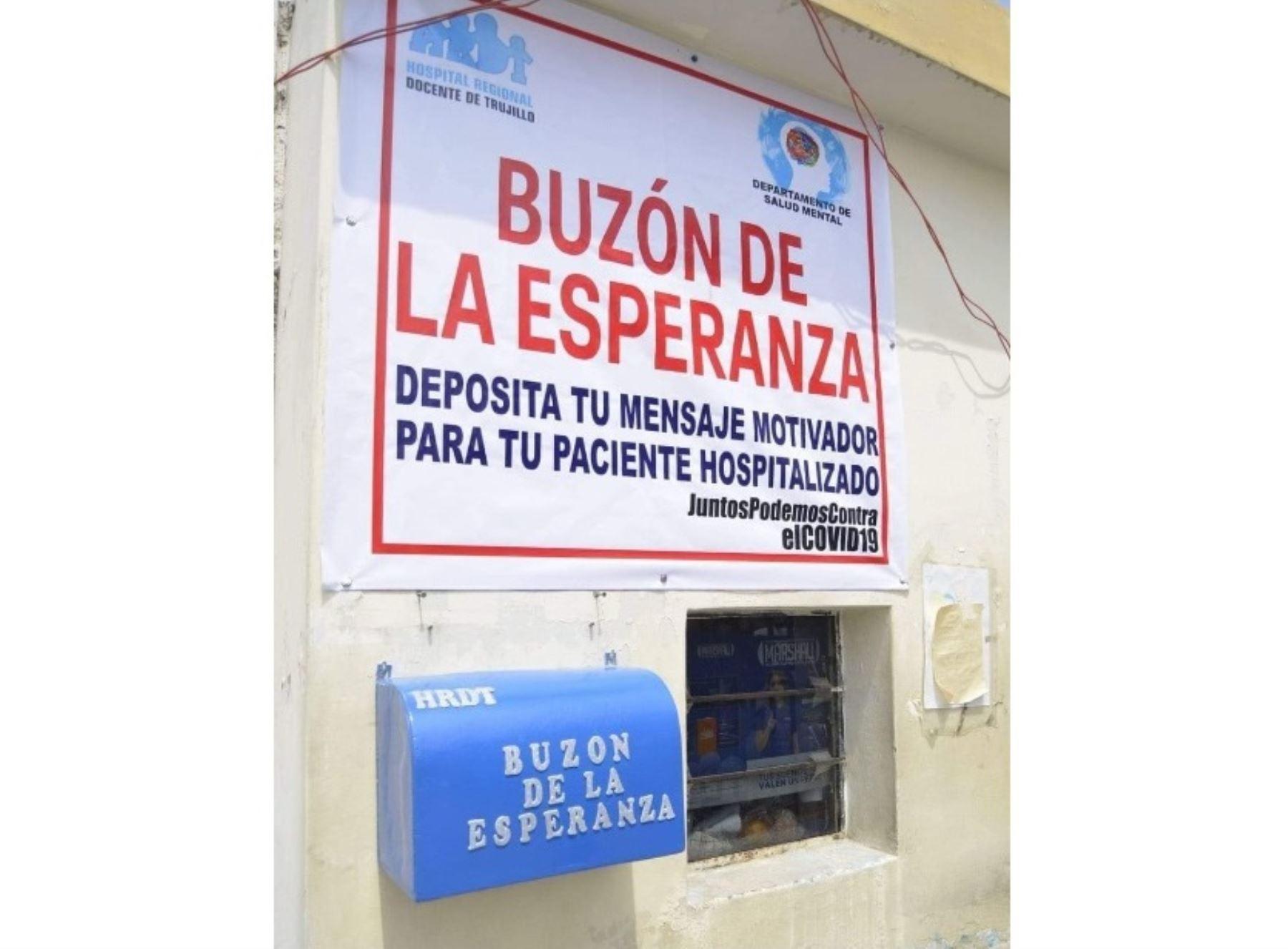 Hospital Regional Docente de Trujillo instala buzón de la esperanza para brindar mensajes de aliento a los pacientes afectados por el coronavirus (covid-19).