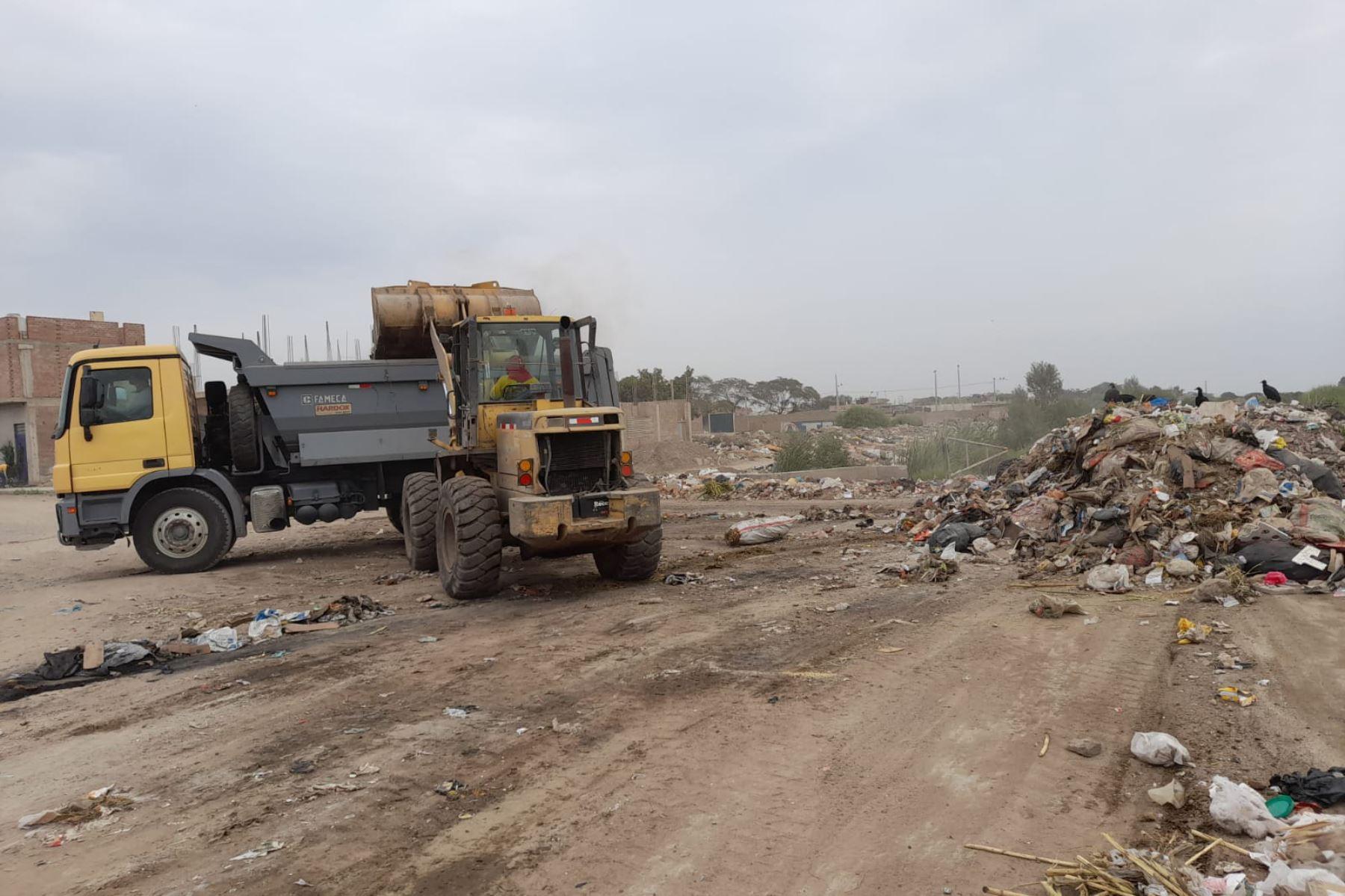erradican-cerca-de-950-metros-cubicos-de-residuos-solidos-de-calles-de-chiclayo