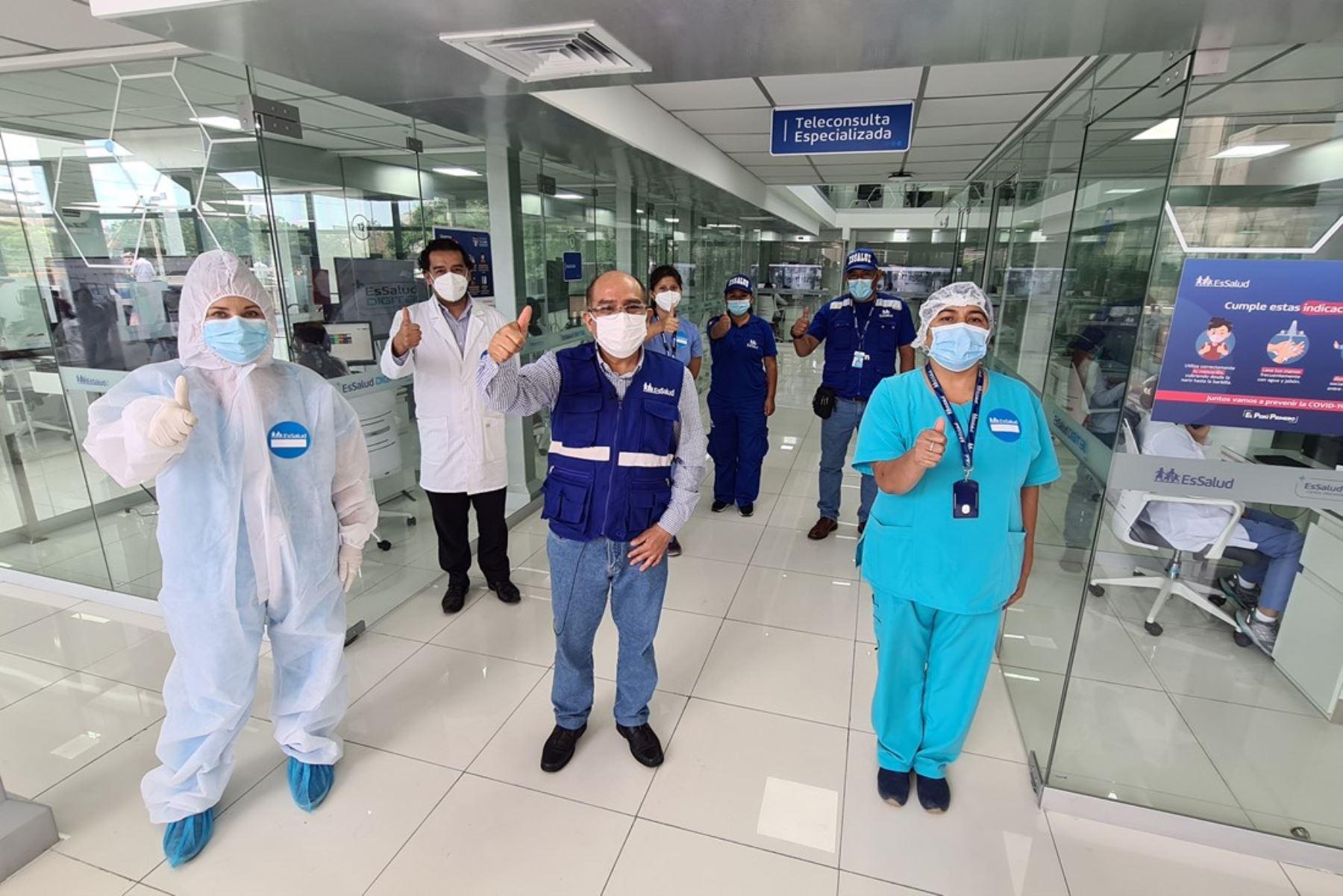 EsSalud contratará a 4,000 profesionales de la salud para fortalecer atención covid-19. Foto: ANDINA/Difusión.