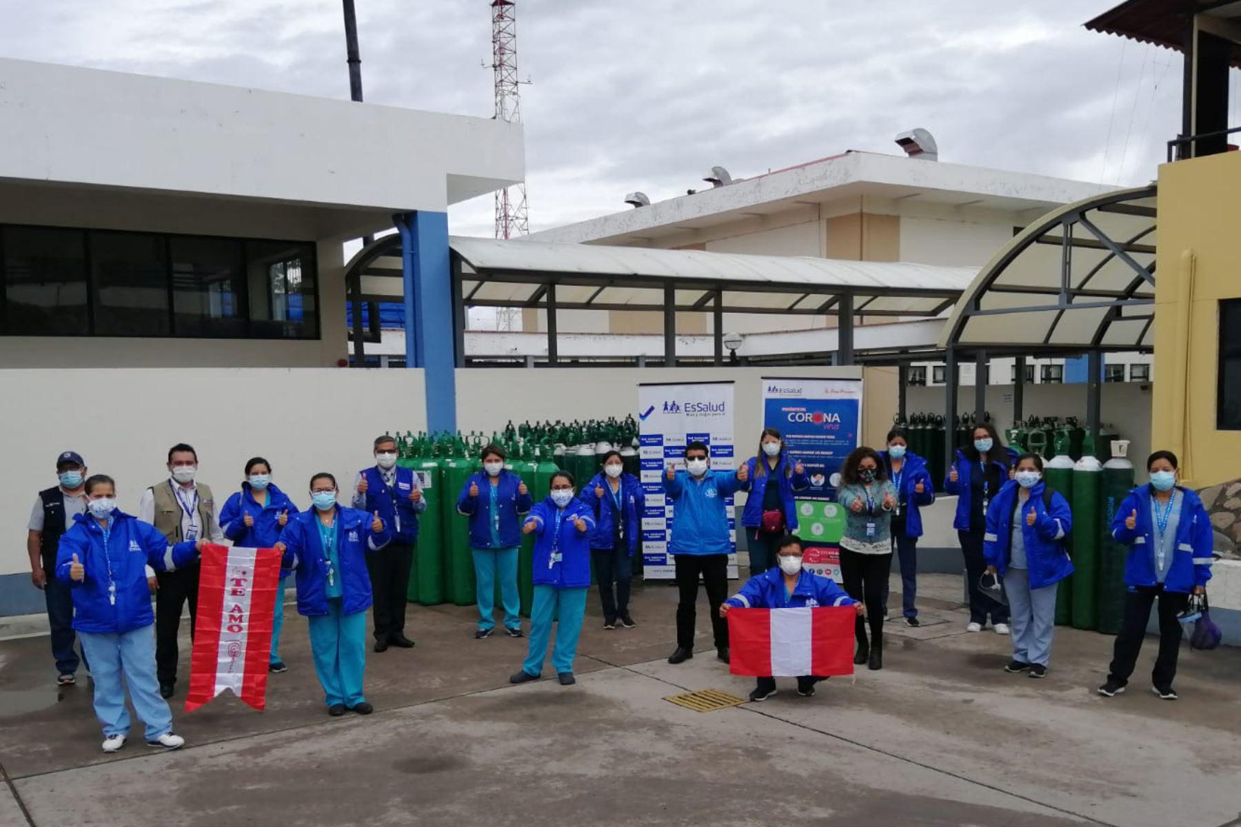 El equipo multidisciplinario permanecerá hasta el 5 de febrero a fin de reforzar las atenciones de pacientes Covid-19, cuyos casos se han incrementado en las últimas semanas en la región Ayacucho. Foto: ANDINA/Difusión