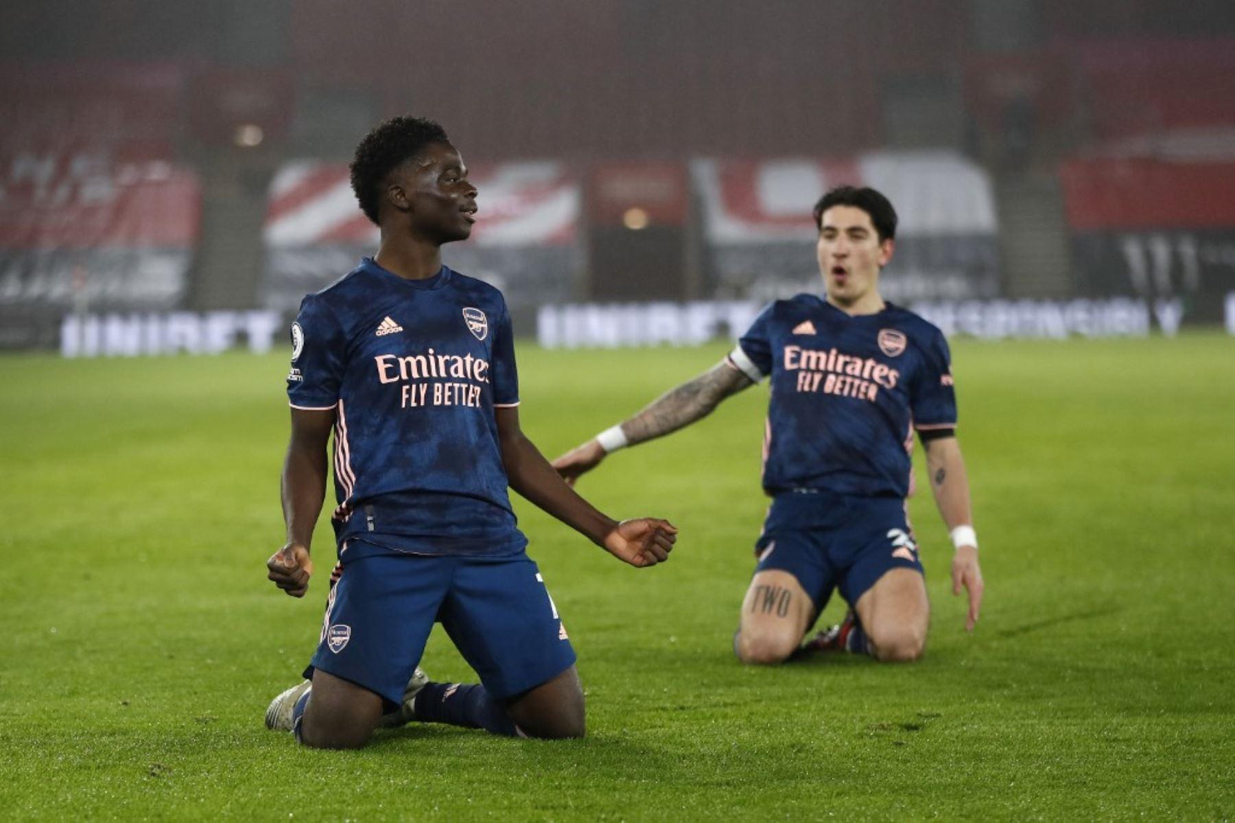 El delantero del Arsenal celebra tras anotar un gol ante el Southampton por la Premier League. Foto: AFP