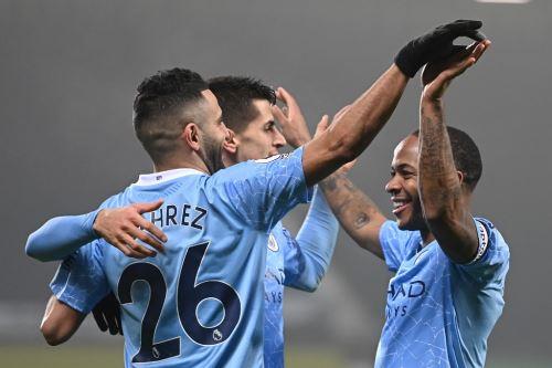 Manchester City goleó 5-0 al West Bromwich y vuelve al liderato de la Premier League