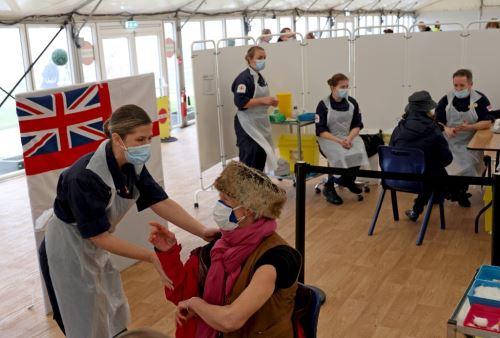 Londres aislará en hoteles a quienes regresen de países de riesgo por coronavirus