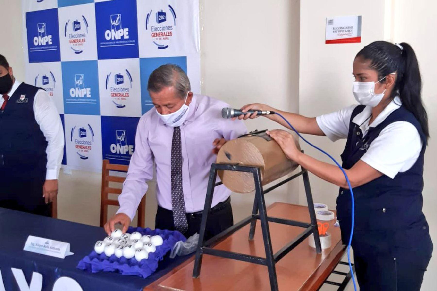El sorteo de miembros de mesa se realizó en 94 oficinas descentralizadas de ONPE. ANDINA/Difusión