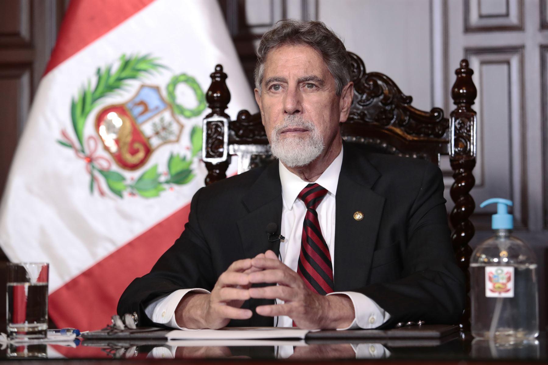 Presidente Sagasti insta a peruanos a acudir al Vacunatón