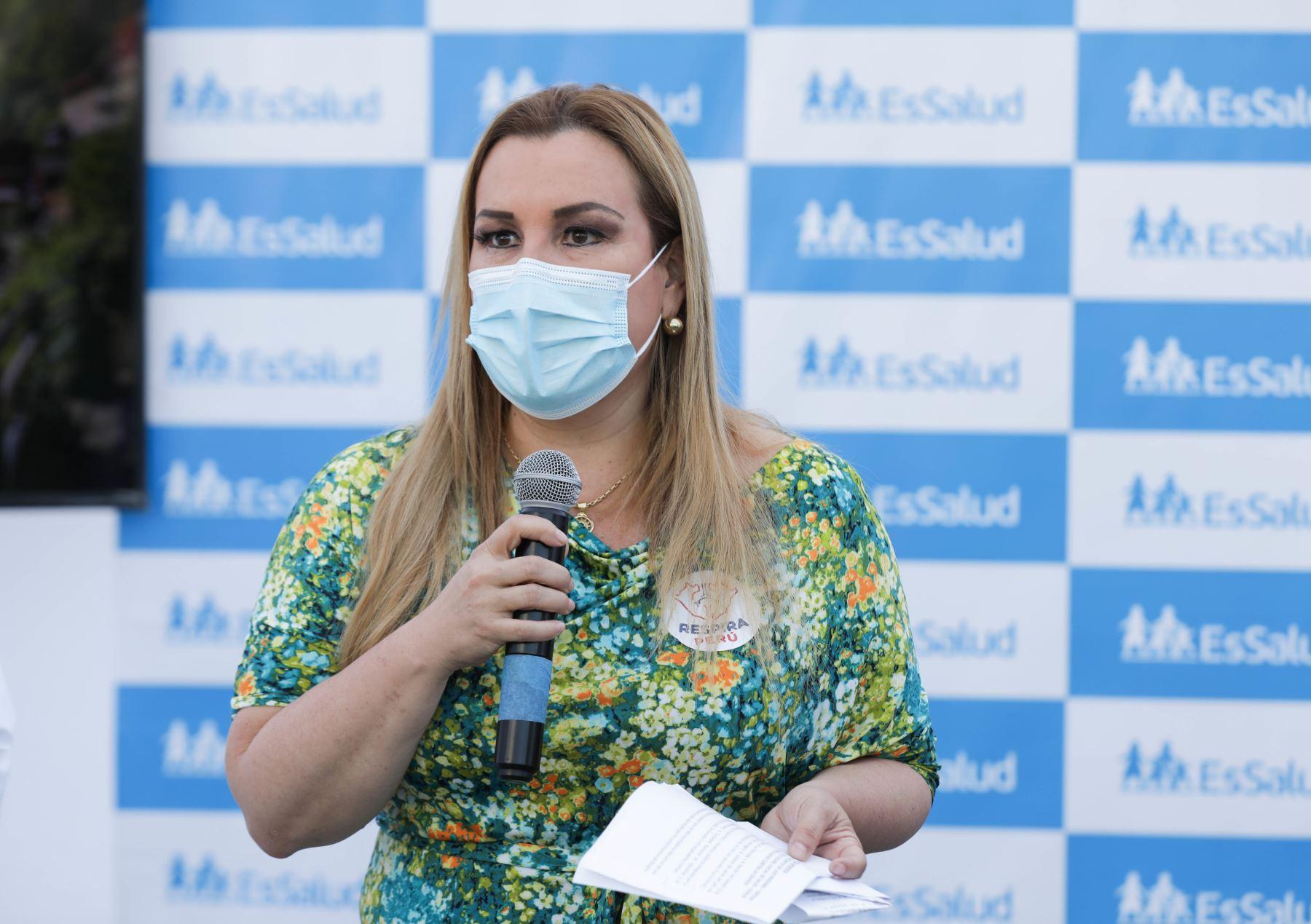 La presidenta de Essalud Fiorella Molinell, recibió una donación de 680 respiradores mecánicos personales, para reforzar el trabajo que siguen realizando los médicos y todo el personal sanitario de los hospitales de dicha institución en esta segunda ola de contagios de covid-19. Foto: ANDINA/ Essalud.
