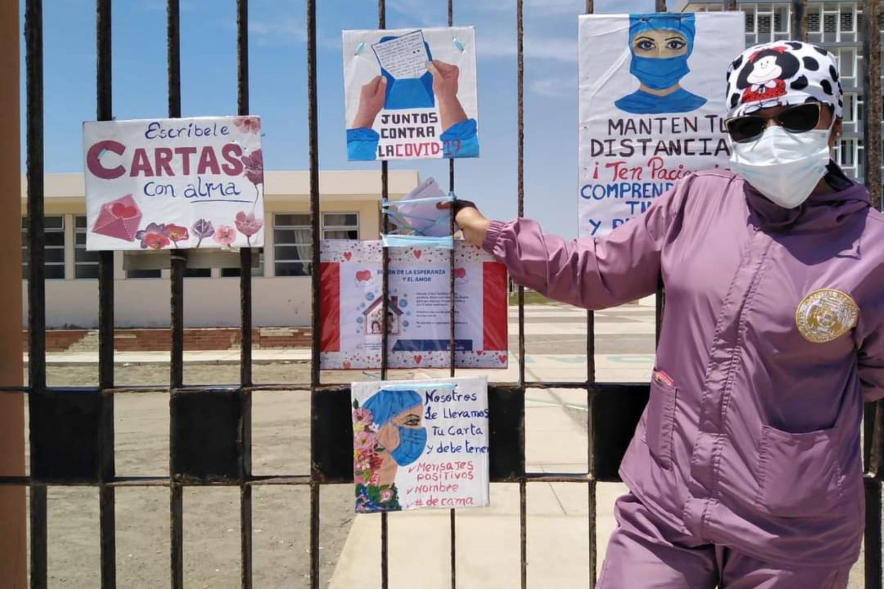 Los familiares de pacientes covid-19 hospitalizados en el nosocomio Eleazar Guzmán Barrón de Chimbote dejan mensajes alentadores en el buzón del amor y la esperanza. Foto: Cortesía Gonzalo Horna