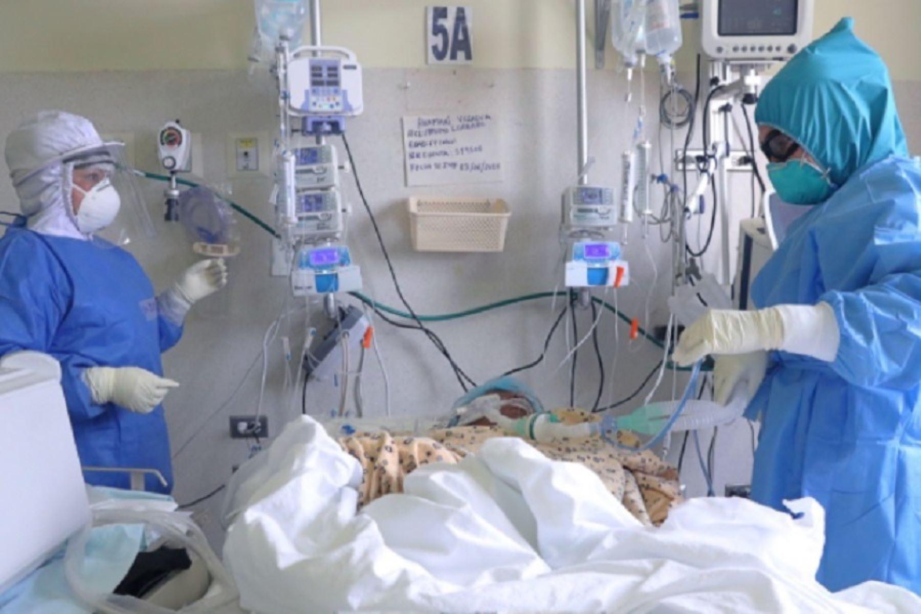 Mazzetti: estamos en una segunda ola muy dura y el sistema de salud se está estresando. Foto: ANDINA/difusión.