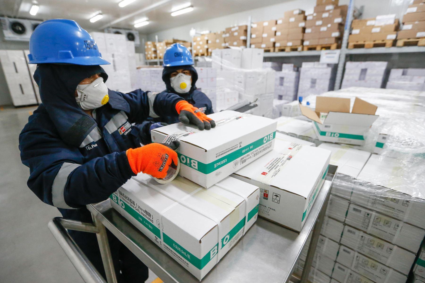 Vacunas del laboratorio Sinopharm están listas para su distribución. Foto: Minsa