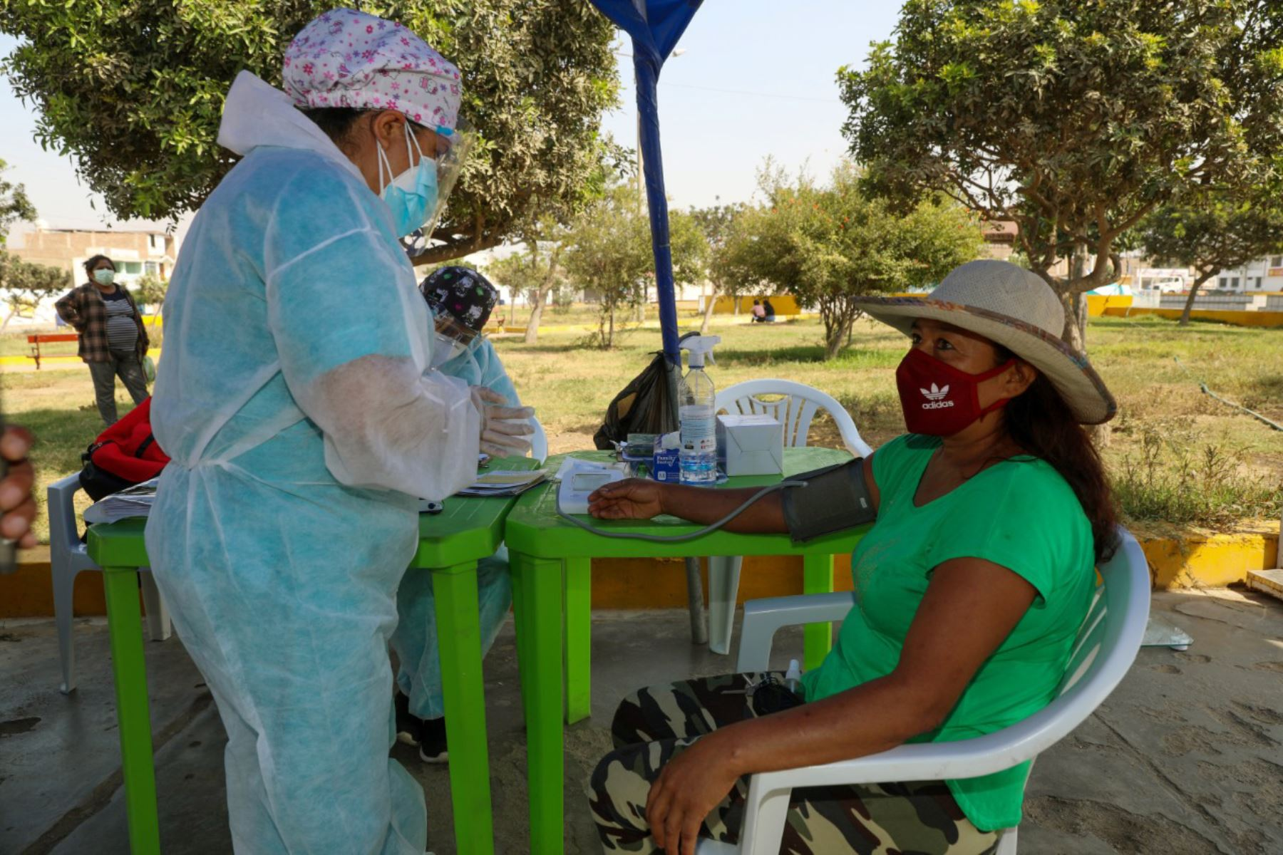 En la región La Libertad hay 67,368 personas que deben ser vacunadas, entre ellas policías, militares, serenos y otros trabajadores municipales que se encuentran en la primera línea de lucha contra el coronavirus. Foto: ANDINA/Difusión