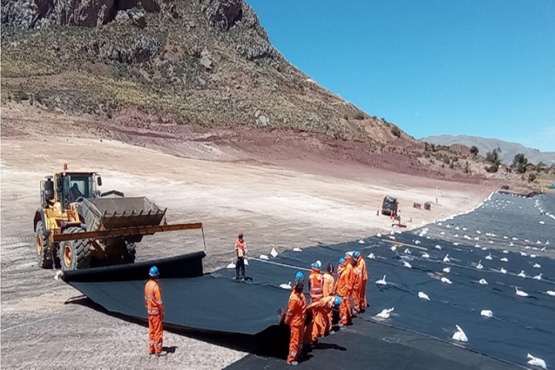 Trabajos de la empresa estatal Activos Mineros en remediación ambiental. Foto: ANDINA/difusión.