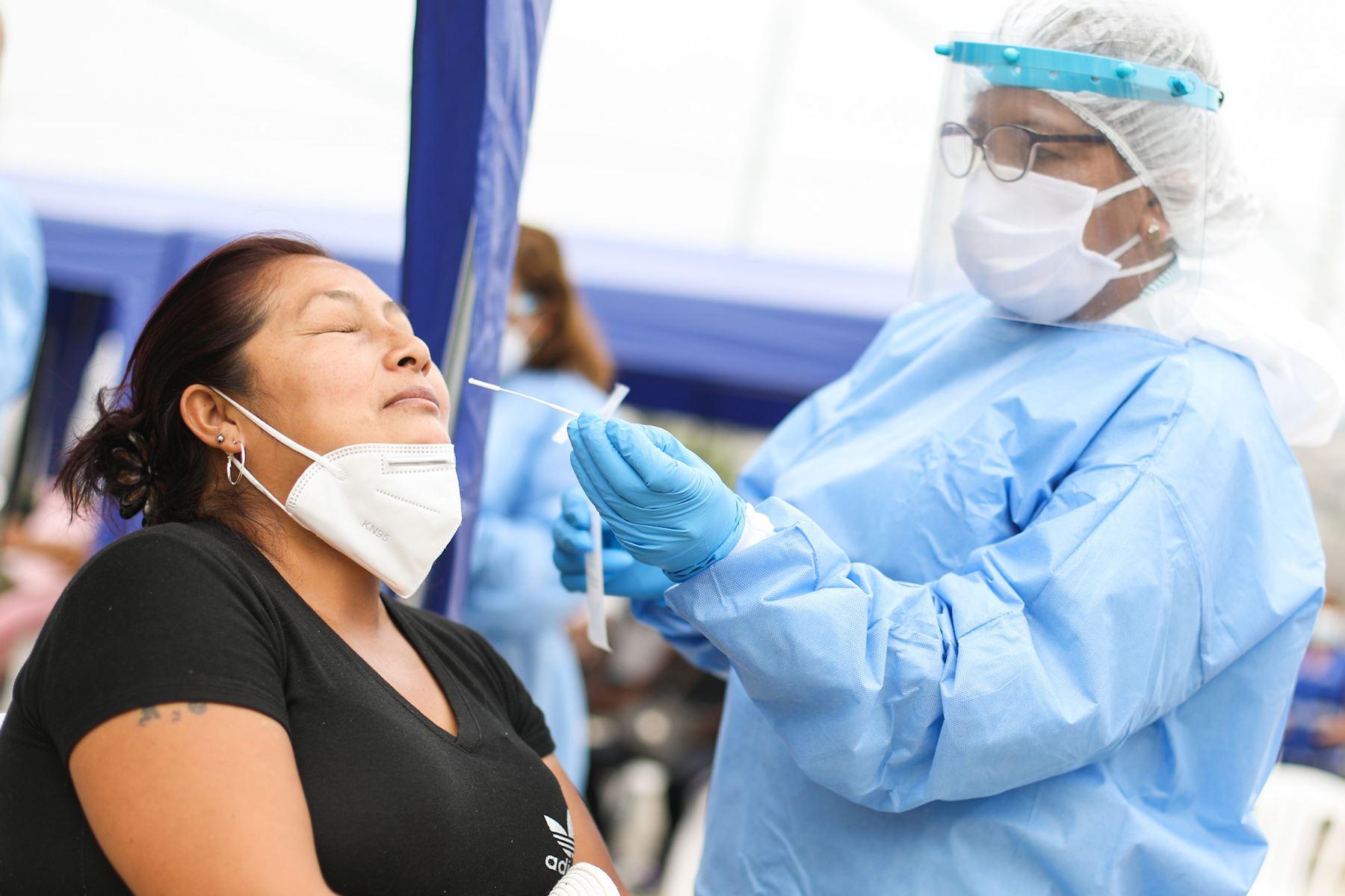 Covid-19: Perú reporta 550 contagios y 16 fallecidos en últimas 24 horas