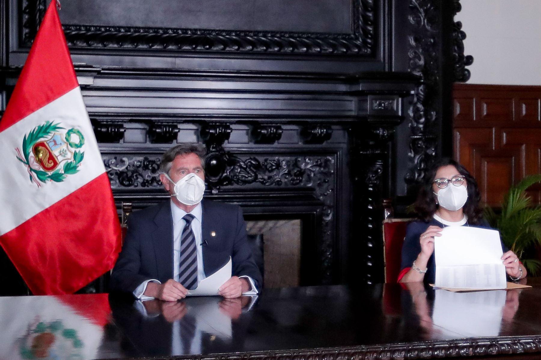 Presidente Francisco Sagasti, confirma que 487 personas fueron vacunadas fuera de los ensayos Foto: ANDINA/Prensa Presidencia
