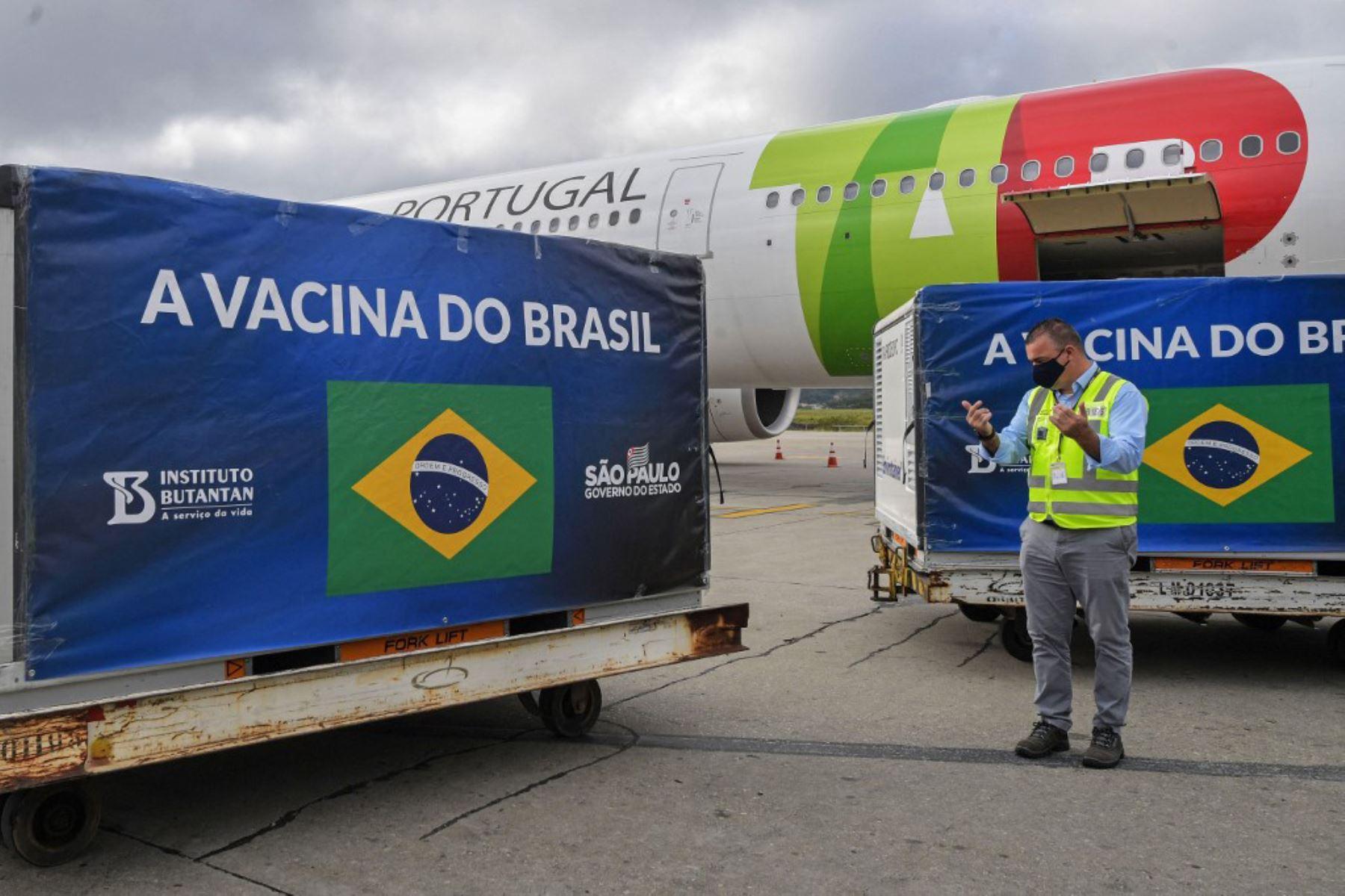 brasil-empieza-a-vacunar-a-una-ciudad-entera-para-estudio-sobre-covid-19