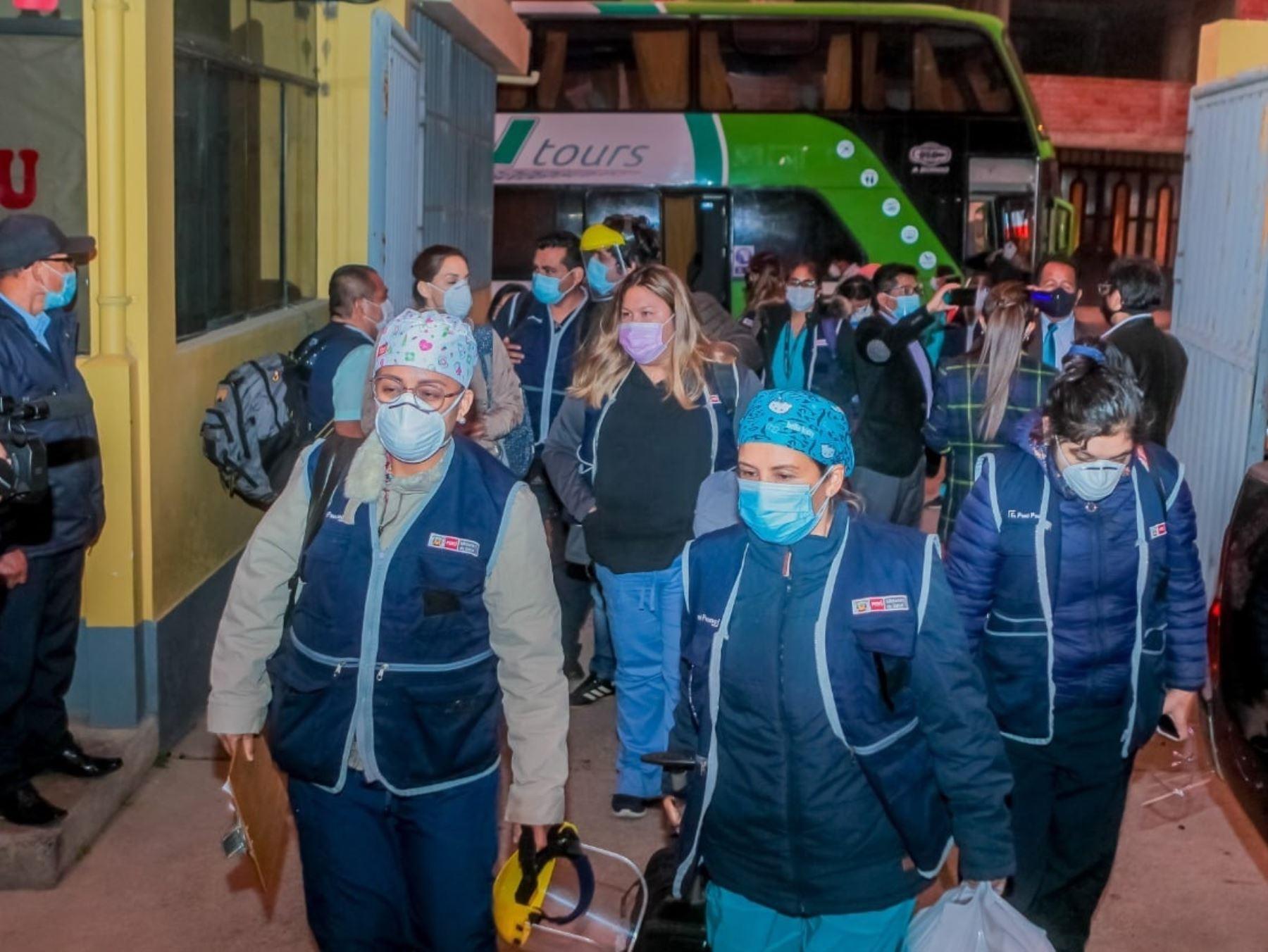 Arriba a Áncash brigada médica enviada por el Ministerio de Salud para fortalecer la lucha contra la pandemia de coronavirus en Huaraz y Chimbote.